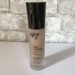 No7 Lift Luminate Serum Foundation Cool Ivory